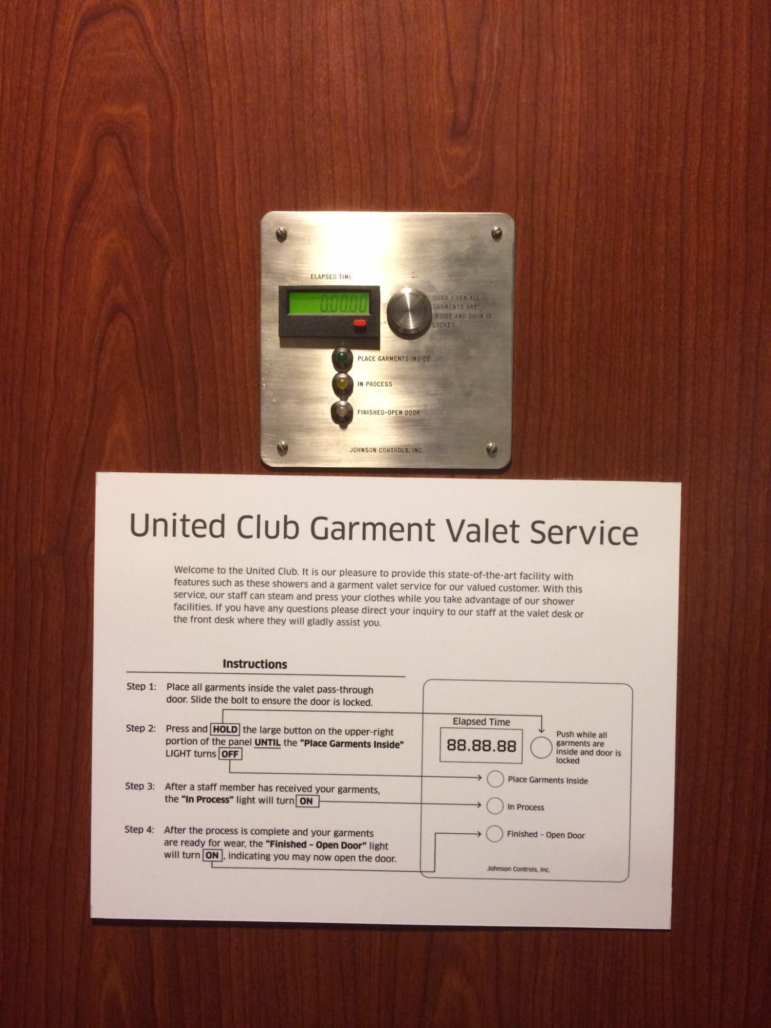 IAH: United Airlines United Club Reviews & Photos - Terminal