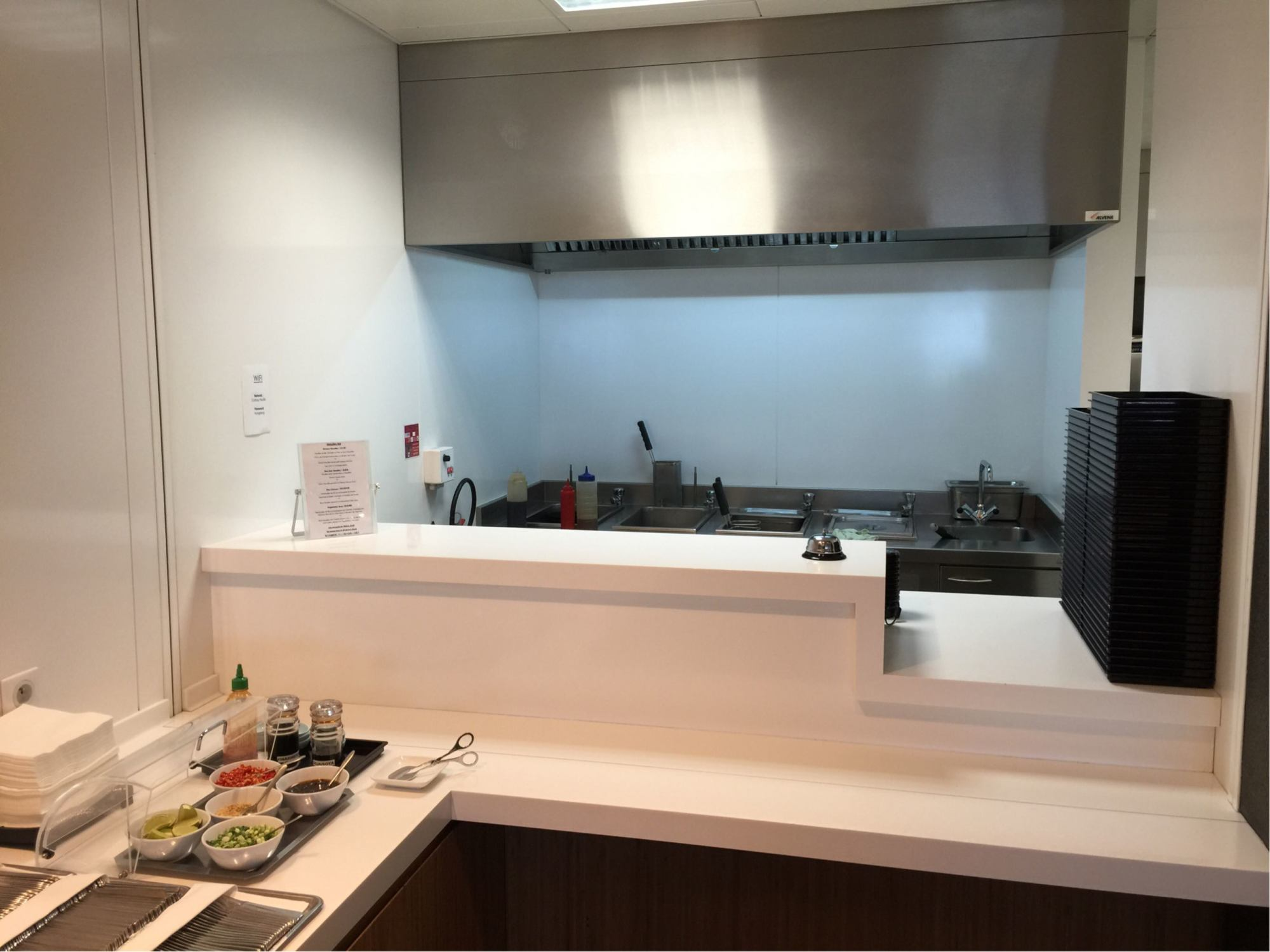 CDG: Cathay Pacific First and Business Class Lounge Reviews & Photos ...