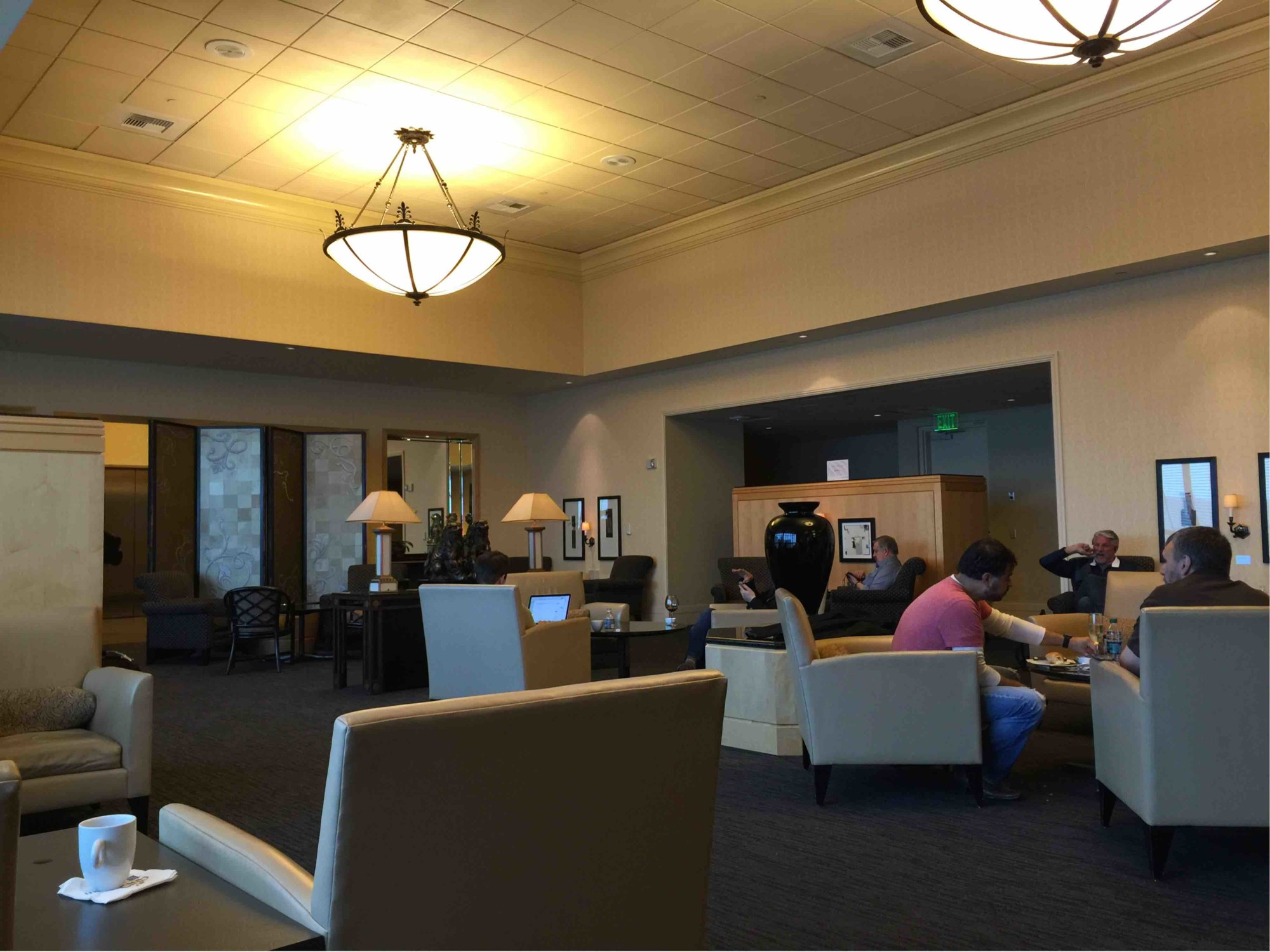 Sfo United Airlines United Club Reviews Amp Photos