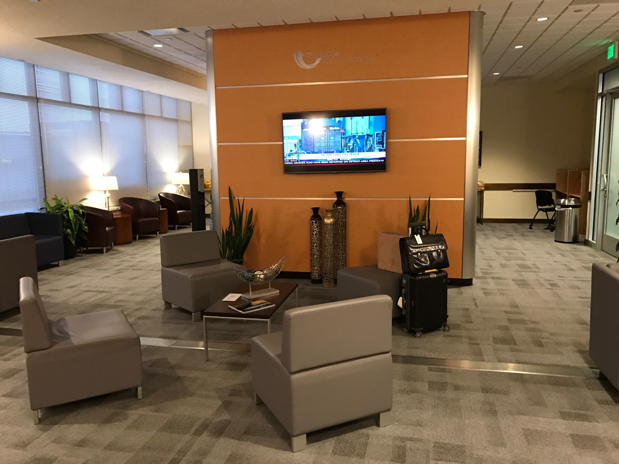 Cos Mortgage Solutions Financial Premier Lounge Reviews Photos  # Muebles Vaoli Leon