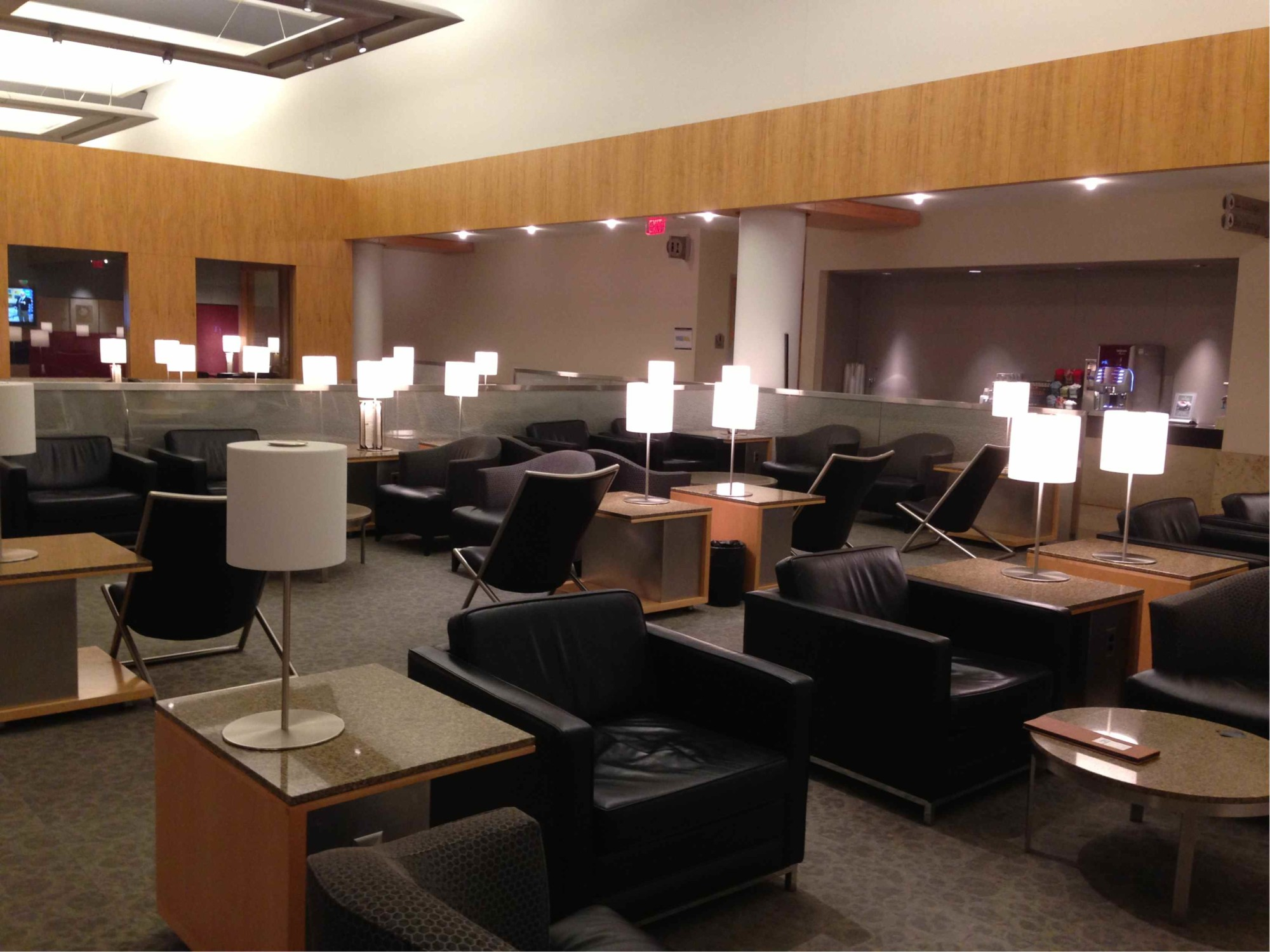 Dfw American Airlines Admirals Club Closed For