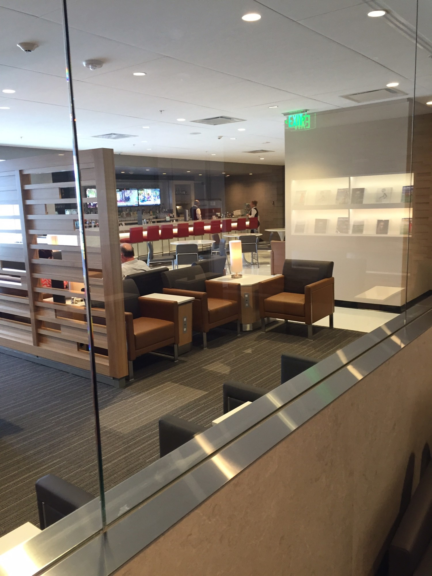 MIA American Airlines Admirals Club Gate D15 Reviews & s