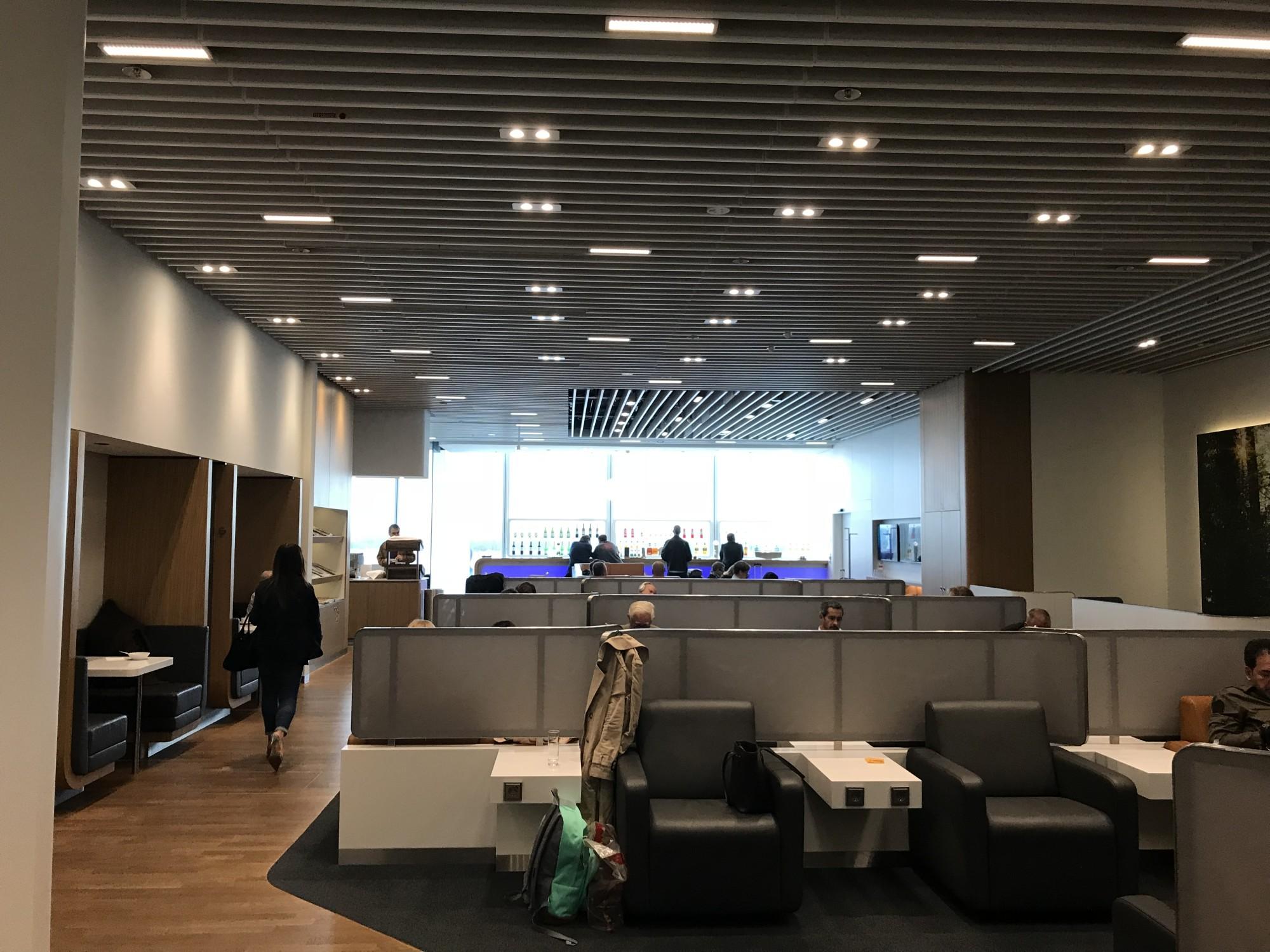 MUC: Lufthansa Business Lounge (Non Schengen) Bewertungen U0026 Fotos    Terminal 2 Satellite, Munich Airport | LoungeBuddy