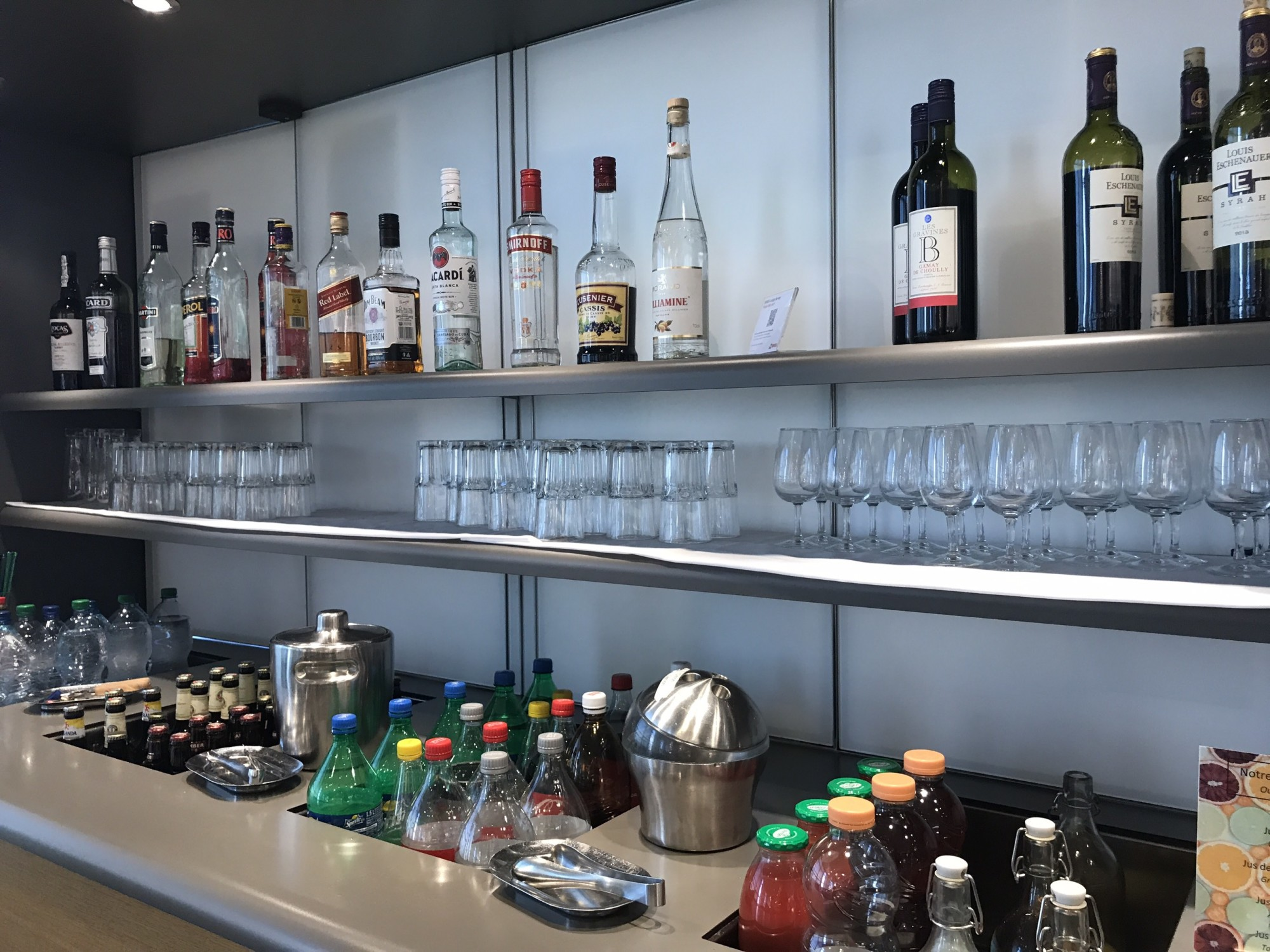 GVA: SWISS Business Lounge Reviews & Photos - Main Terminal, Geneva ...