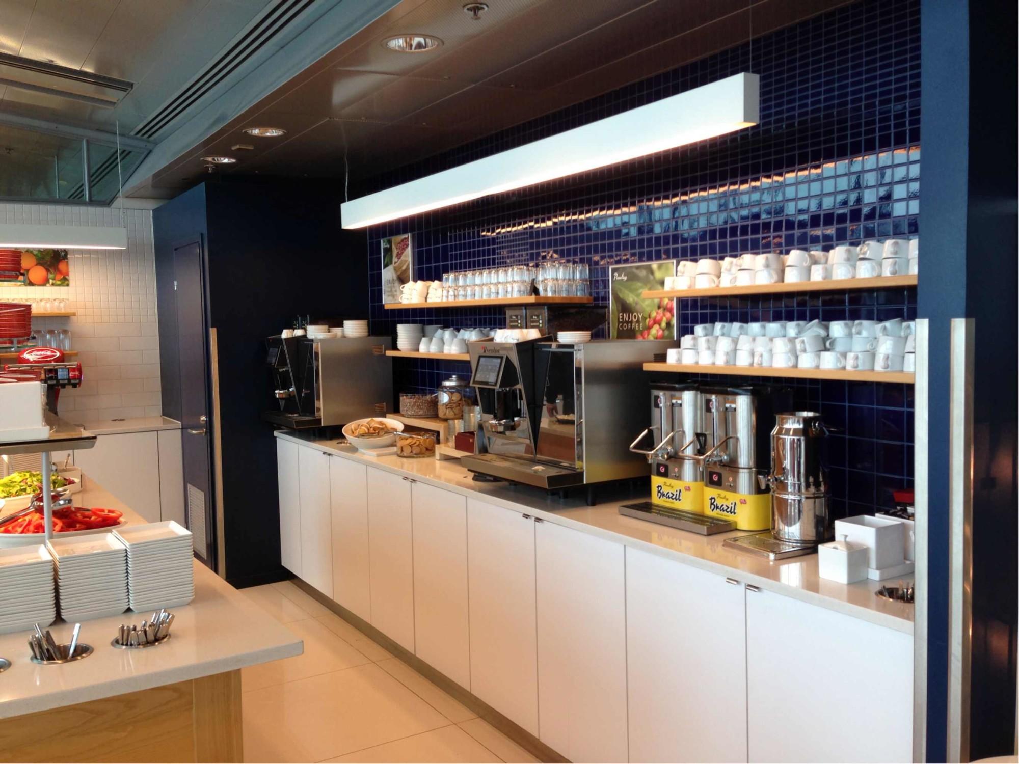 Hel Finnair Lounge Reviews Photos Terminal 2 Schengen  # Cuisine Stockholm Darty