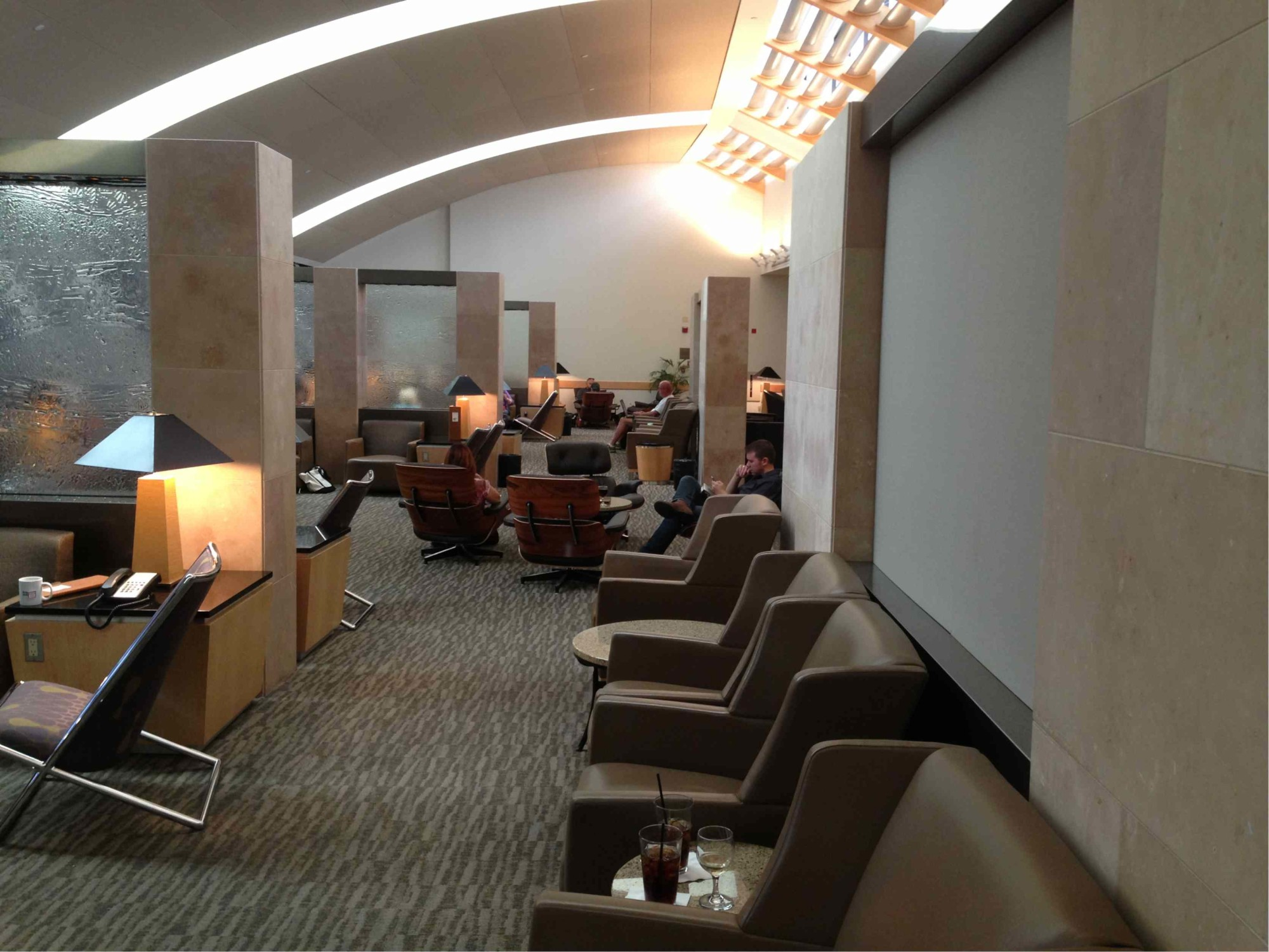 Dfw American Airlines Admirals Club Reviews Amp Photos