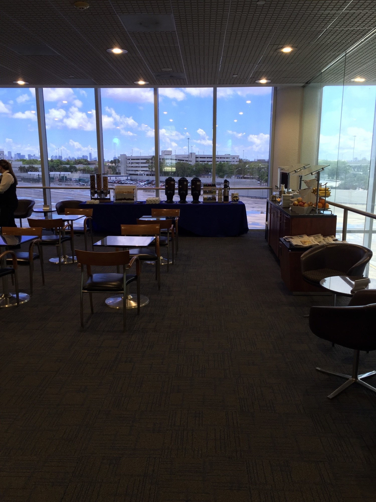 Mia American Airlines Admirals Club Gate D15 Reviews