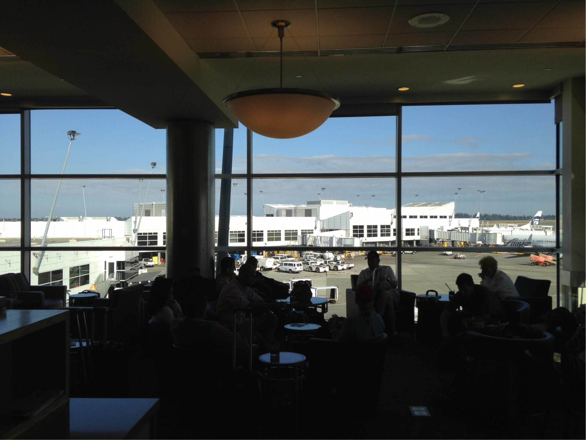 Sea Alaska Airlines Alaska Lounge Reviews Amp Photos