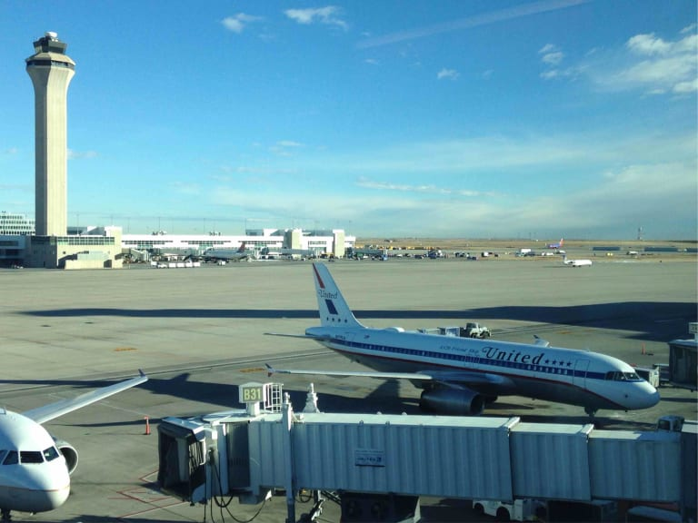 DEN: United Airlines United Club (Gate B32) Reviews & Photos ...