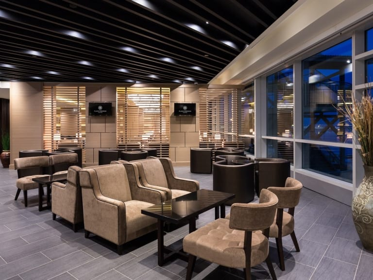 YVR: Plaza Premium Lounge Reviews & Photos - International
