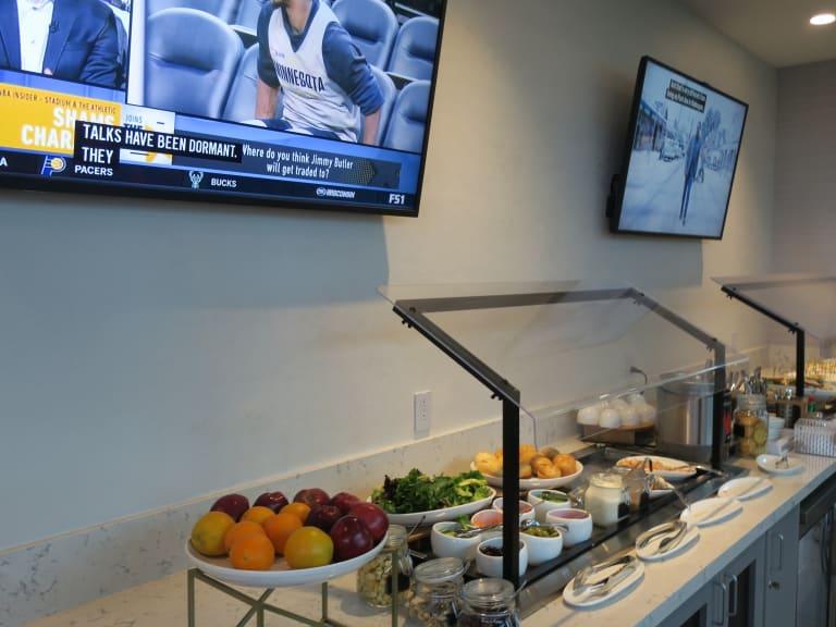 Dfw The Club At Dfw Reviews Amp Photos Terminal D Dallas