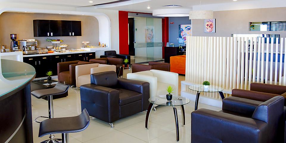 OMA Premium Lounge (CUL)