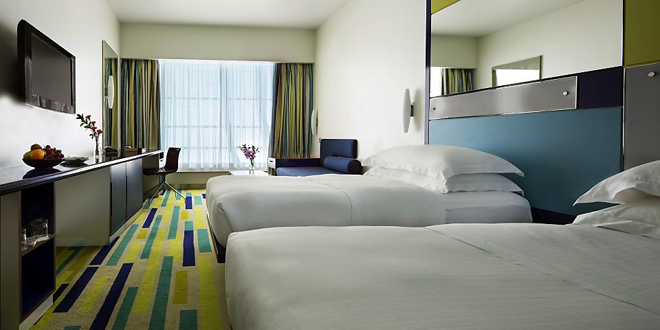Dubai International Hotel (Concourse B) (DXB)