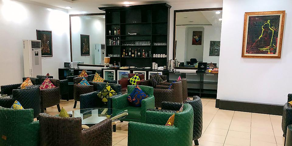 SDS Llegada Arrival Lounge (D-Wing) (LOS)