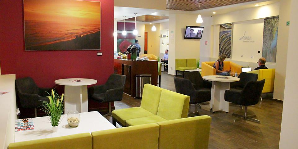 OMA Premium Lounge (MZT)