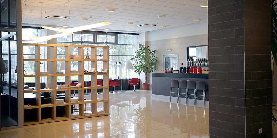 VIP Lounge (OVB)