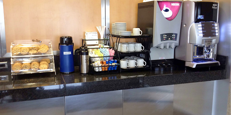 American Airlines Admirals Club (Gate B30) (BOS)