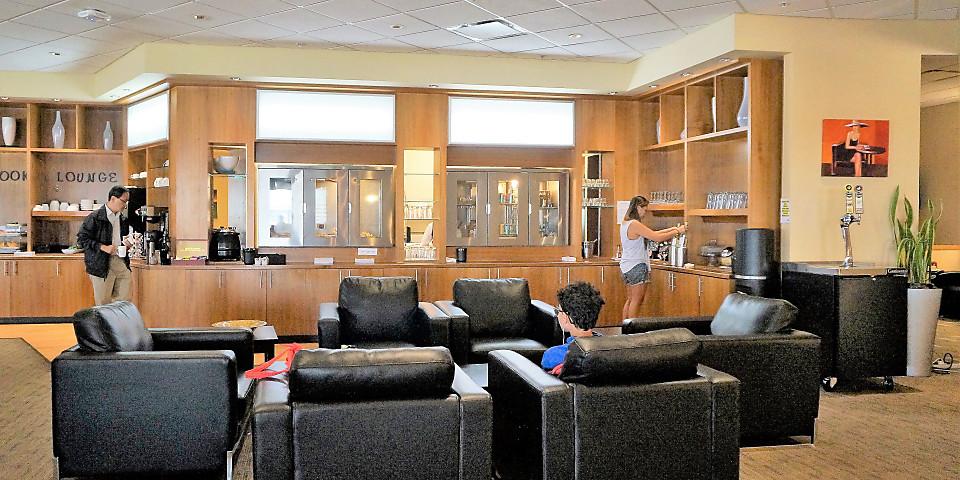 Chinook Lounge (YYC)