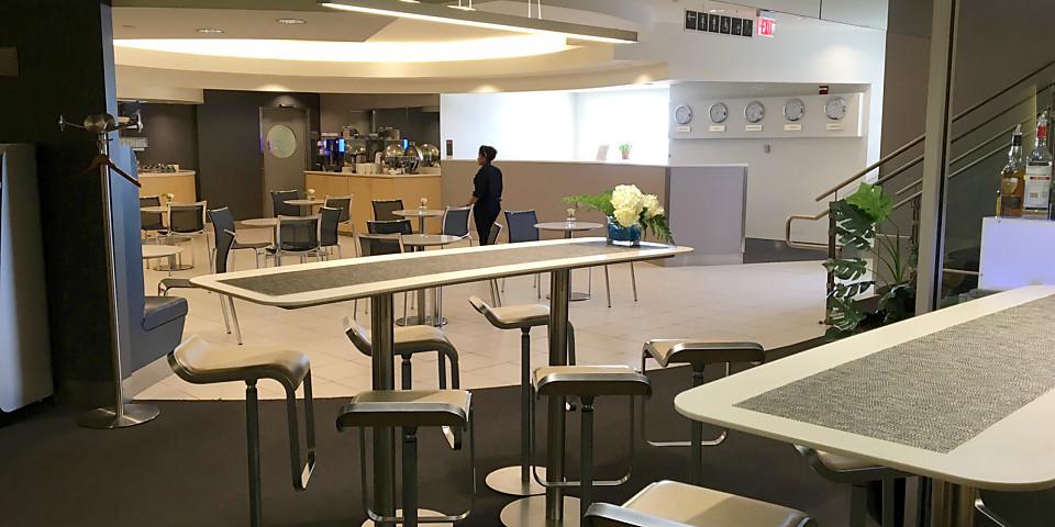 Lufthansa Business Lounge (IAD)