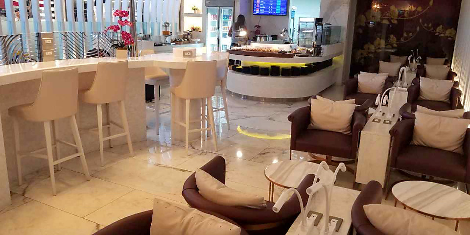 Thai Airways Royal Orchid Lounge (HKT)