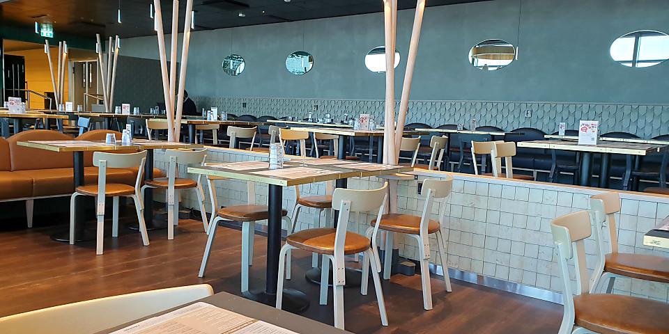 Fly Inn Restaurant (HEL)