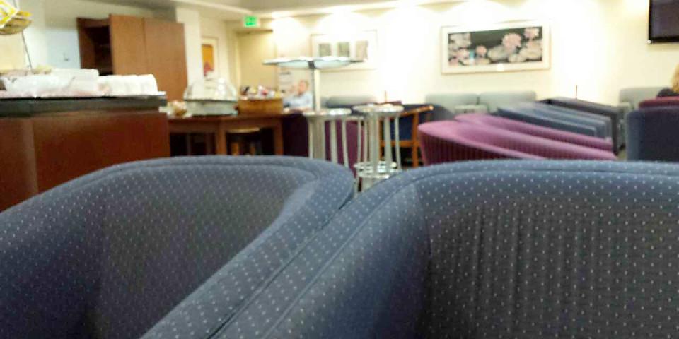British Airways Executive Club/First Lounge (BDA)