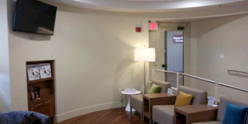 Hawaiian Airlines Premier Club Lounge (ITO)