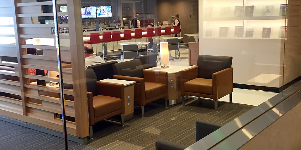 American Airlines Admirals Club (Gate D15) (MIA)