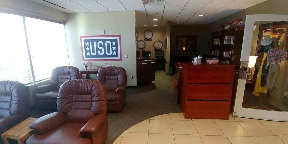 USO Lounge (IAH)