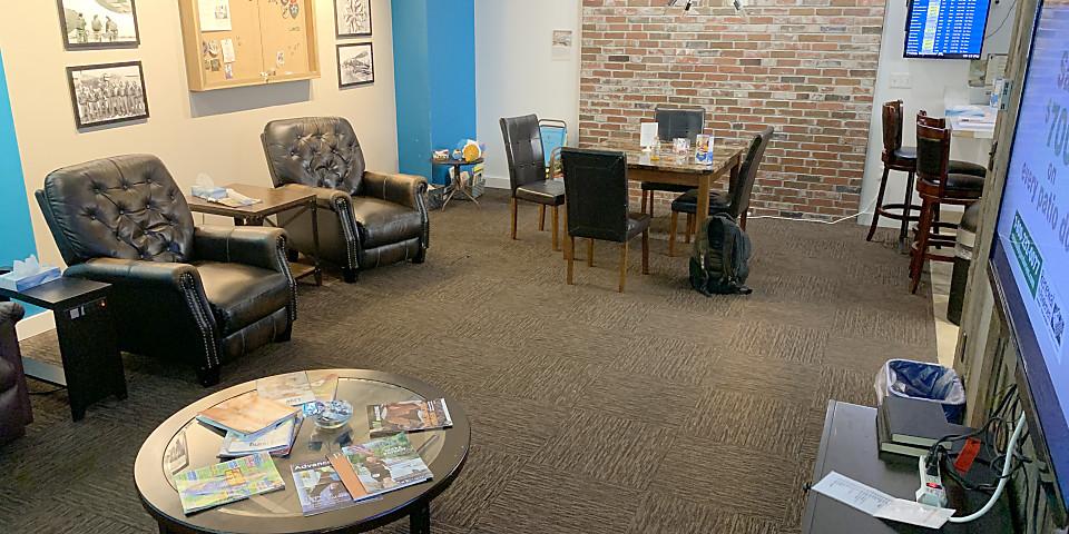 Dtw Freedom Center Reviews Photos Mcnamara Terminal Concourse A Detroit Metropolitan Wayne County Airport Loungebuddy
