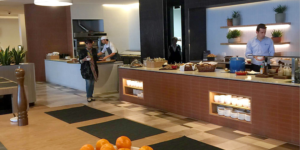 Qantas Airways Domestic and International Business Lounge (PER)