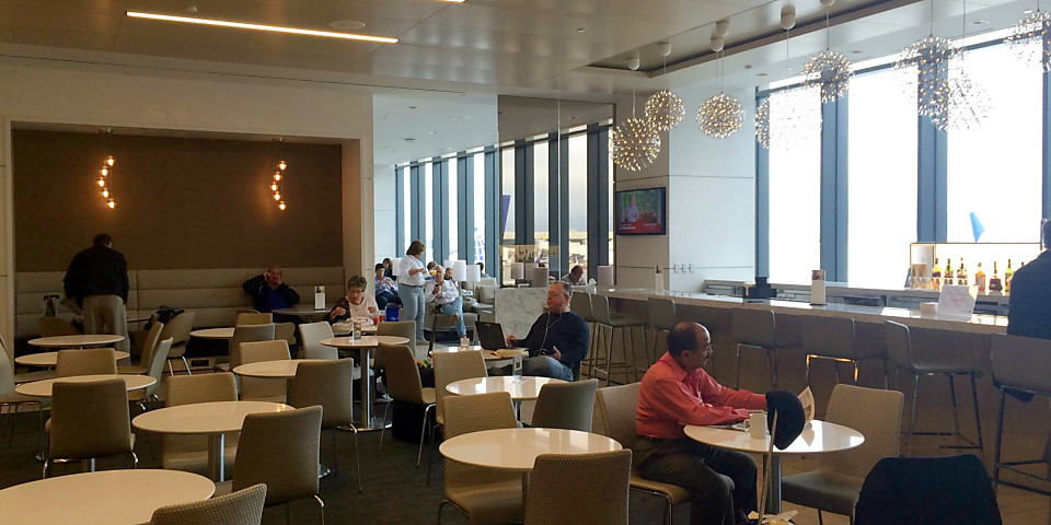 United Airlines United Club (SFO)
