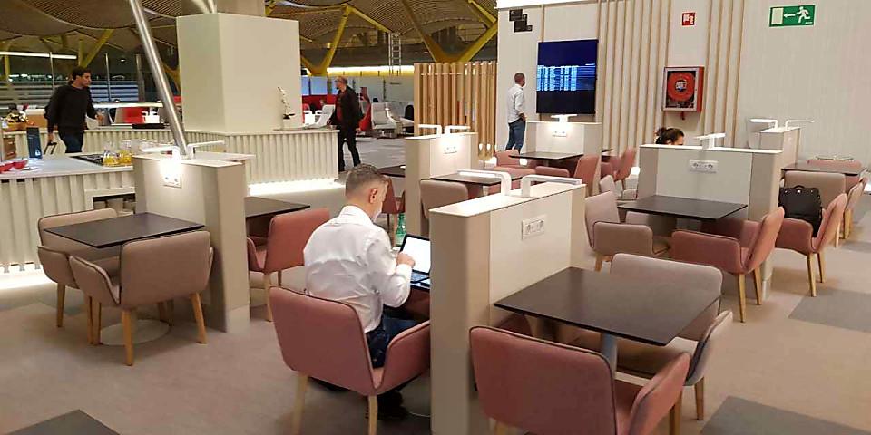 Iberia Dali Lounge (MAD)