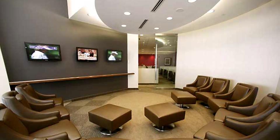 Plaza Premium Lounge (YYZ)