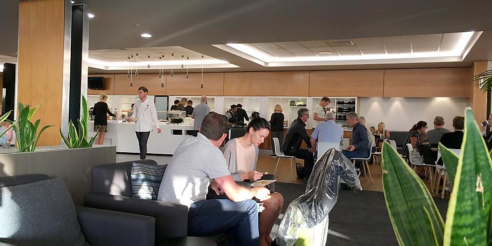 Air New Zealand Koru Club Lounge (AKL)