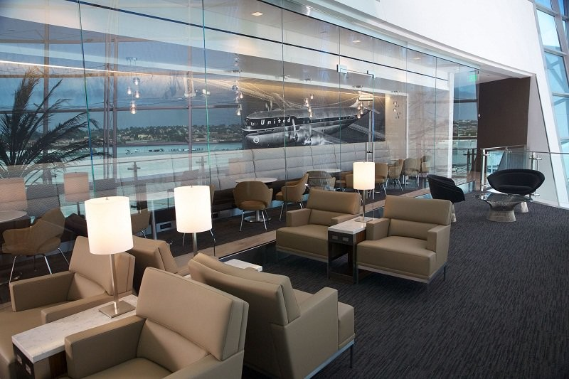 4 way at a business lounge