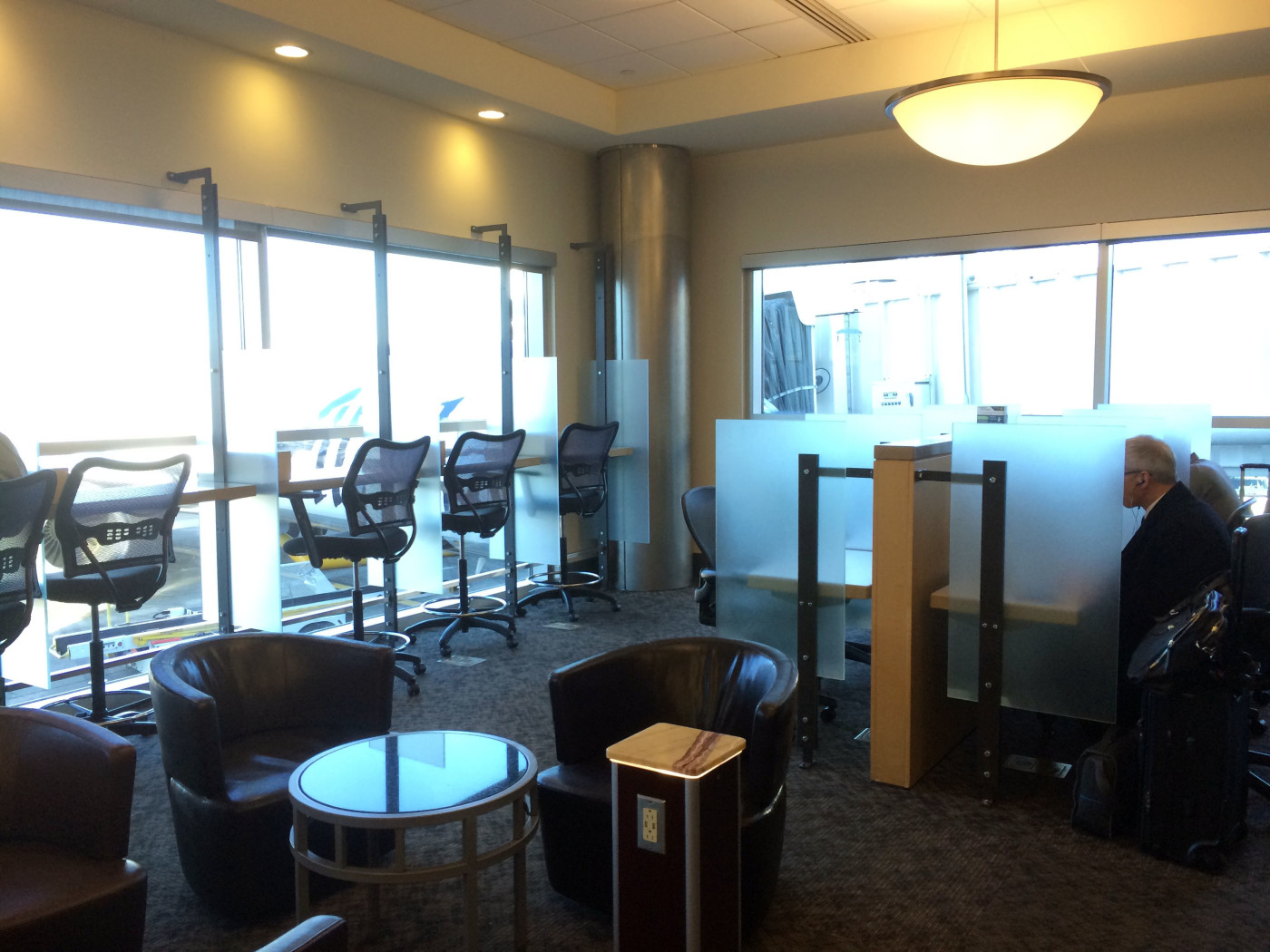 Alaska Airlines\' Alaska Lounges: The Ultimate Guide | LoungeBuddy