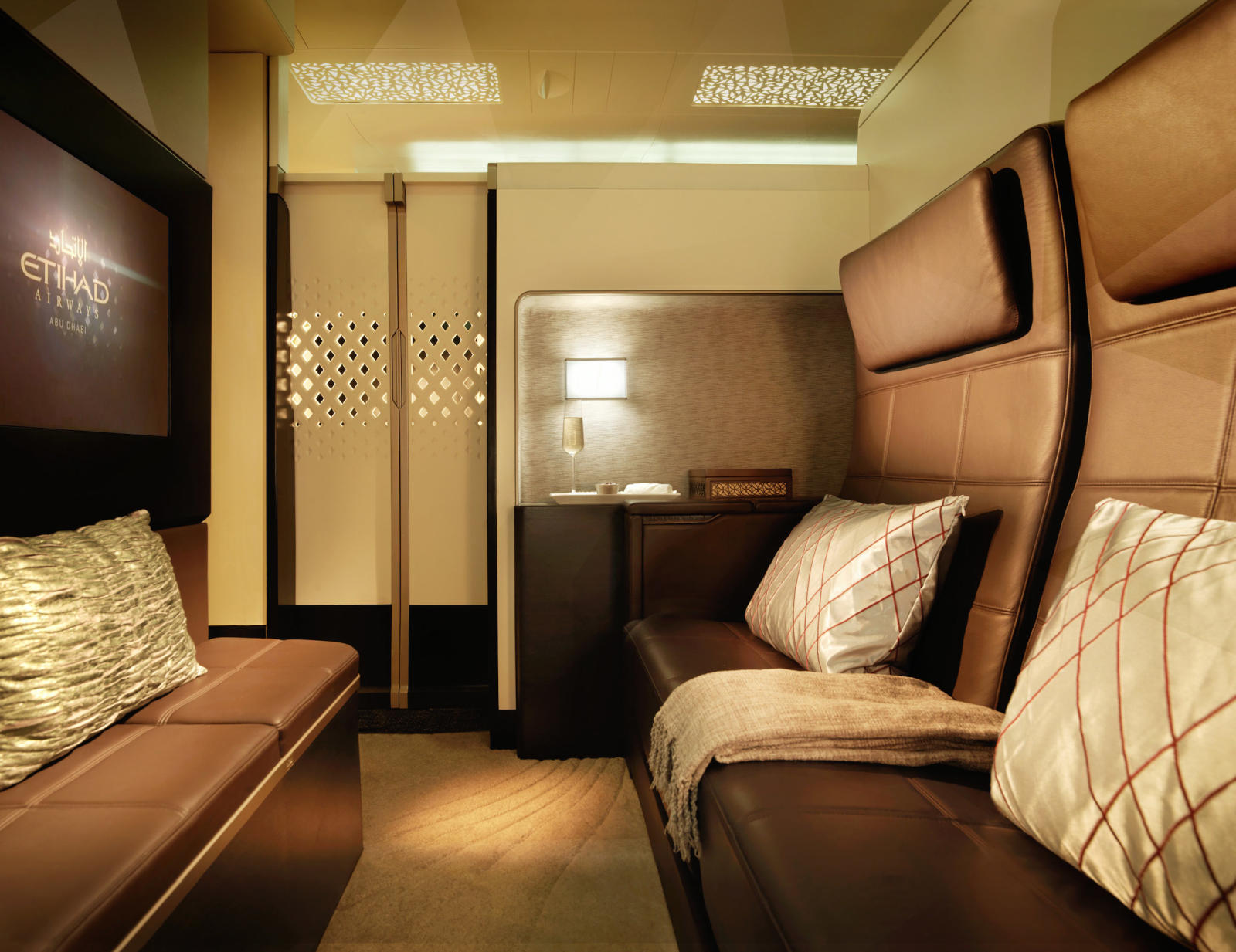 Lounge Lowdown: New Etihad Residence Perks, First US Escape Lounge & More-post-image