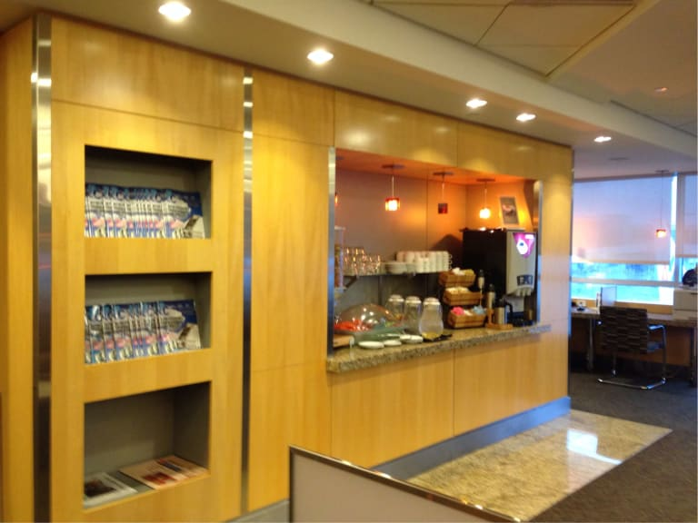 JFK: American Airlines Admirals Club (Temporarily Closed) Reviews & Photos  - Terminal 8, Concourse C, John F. Kennedy International Airport |  LoungeBuddy