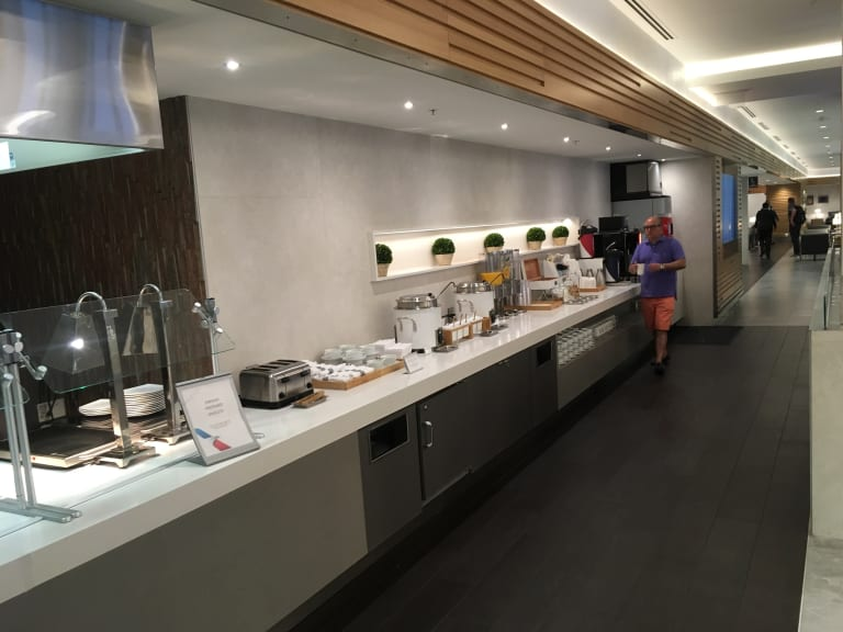 mia: american airlines flagship lounge (temporarily closed