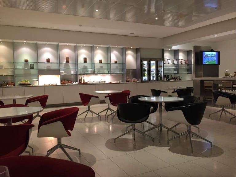 MEL: Qantas Airways International Business Lounge (Temporarily Closed)  Reviews & Photos - Terminal 2 International, Melbourne Airport | LoungeBuddy