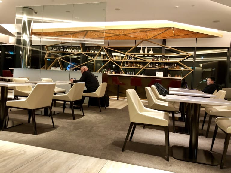 MEL: The House, Home of Etihad Airways and Other Leading Airlines  (Temporarily Closed) Reviews & Photos - Terminal 2 International, Melbourne  Airport | LoungeBuddy