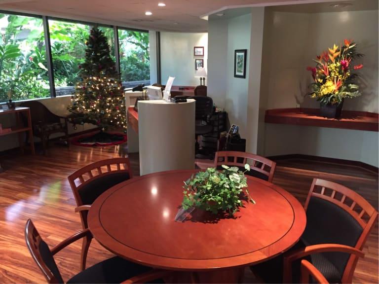 hnl iass hawaii lounge reviews photos terminal 2 daniel k inouye honolulu international. Black Bedroom Furniture Sets. Home Design Ideas