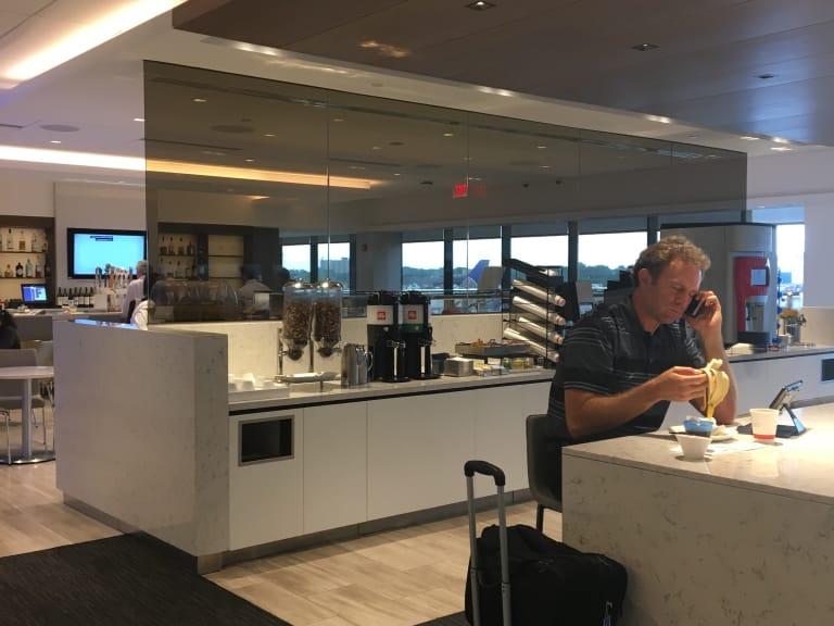 Ewr United Airlines United Club Reviews Photos Terminal A A2