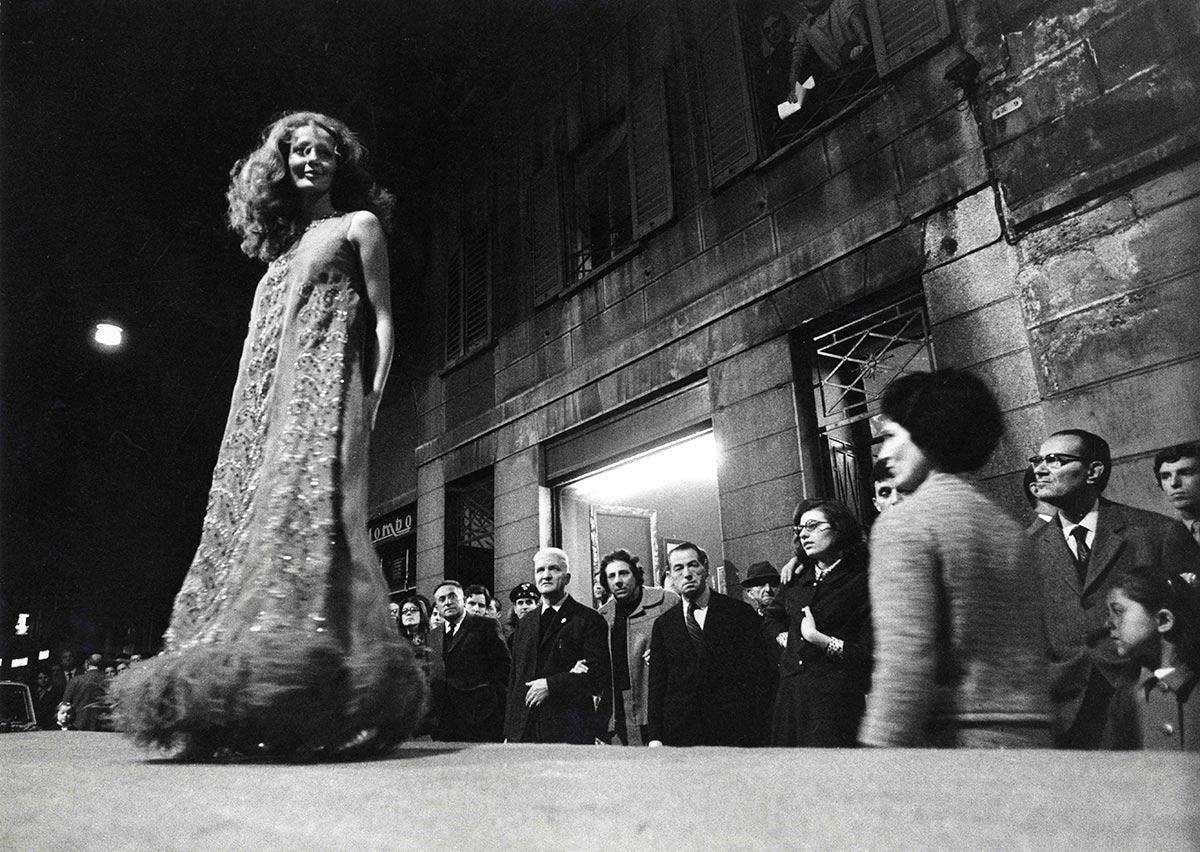 photocredit: Toni Nicolini, Una delle prime sfilate di moda a Milano, 1969