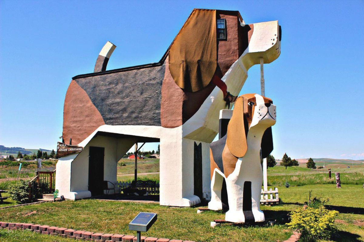 Dog Bark Park Inn casa a forma di cane