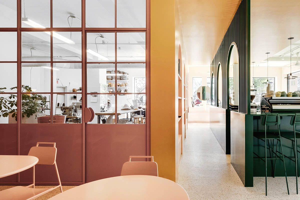 gli interni del caffè Pastel Rita, a Montreal | credits: dezeen
