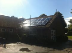 Solar panels on the rooftop of Charlbury Primary School, owned and managed by Low Carbon Hub