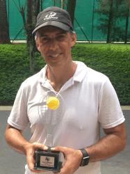 Gustavo Massuia