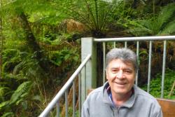 Helinho Costa Jr.